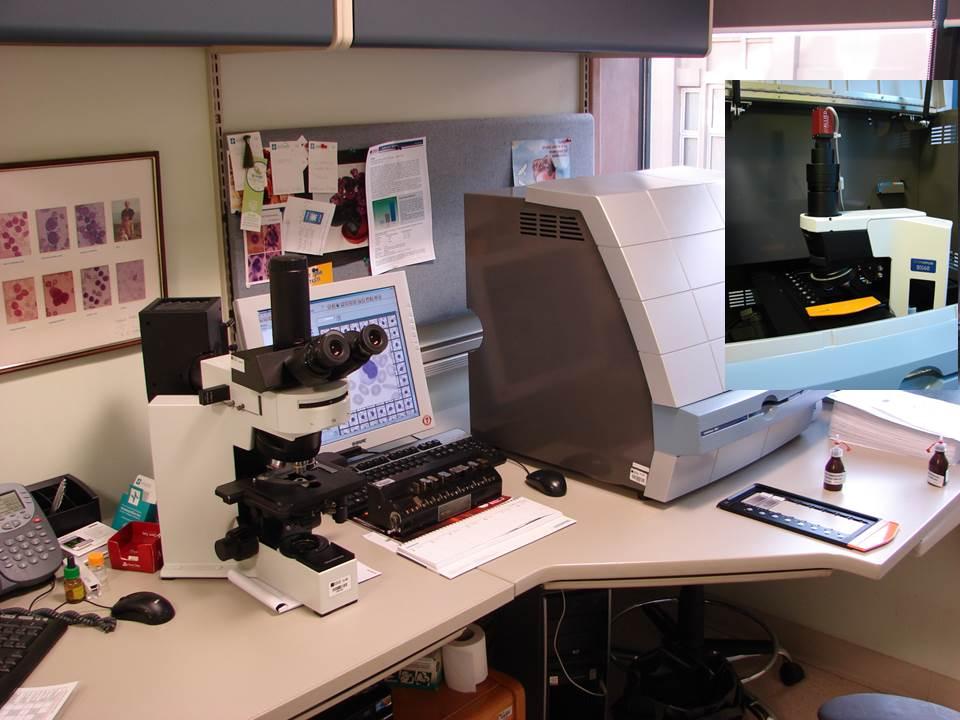 Işık mikroskobu ve Cellavision DM8 dijital mikrskop, sağ üst köşede CCD kamera görülmekte